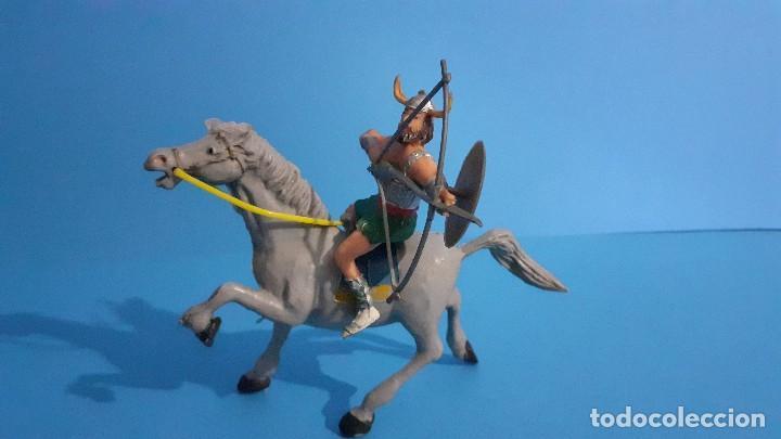 Figuras de Goma y PVC: Lote de 4 figuras Vikingos. Estereoplast. Gundar , Olaff , goodfrei y Ragnad completos - Foto 23 - 236053015