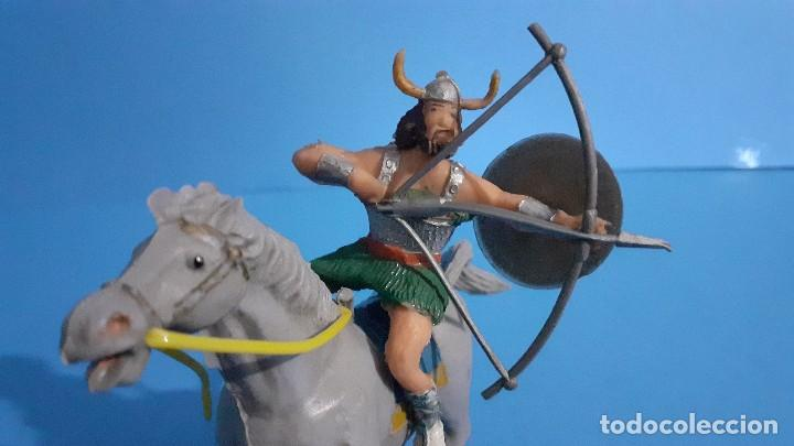 Figuras de Goma y PVC: Lote de 4 figuras Vikingos. Estereoplast. Gundar , Olaff , goodfrei y Ragnad completos - Foto 26 - 236053015