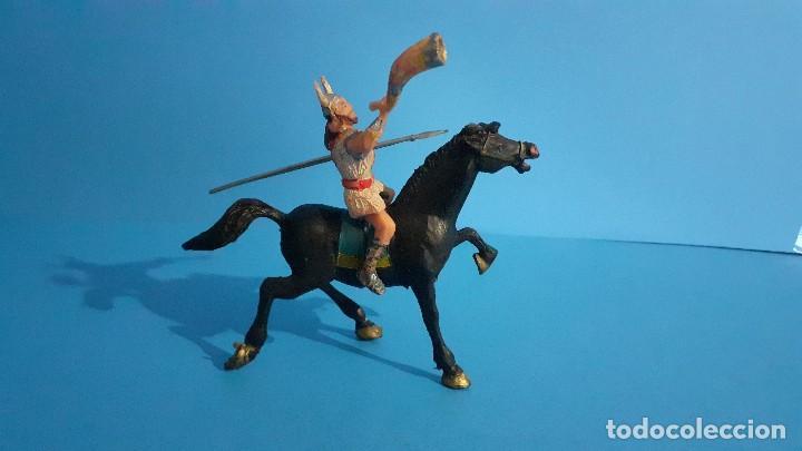Figuras de Goma y PVC: Lote de 4 figuras Vikingos. Estereoplast. Gundar , Olaff , goodfrei y Ragnad completos - Foto 29 - 236053015