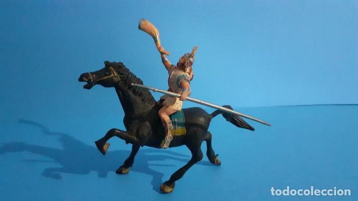 Figuras de Goma y PVC: Lote de 4 figuras Vikingos. Estereoplast. Gundar , Olaff , goodfrei y Ragnad completos - Foto 31 - 236053015