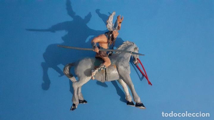 Figuras de Goma y PVC: Lote de 4 figuras Vikingos. Estereoplast. Gundar , Olaff , goodfrei y Ragnad completos - Foto 42 - 236053015