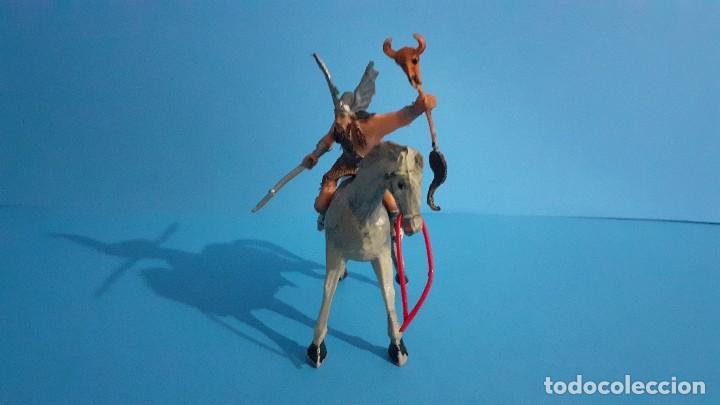 Figuras de Goma y PVC: Lote de 4 figuras Vikingos. Estereoplast. Gundar , Olaff , goodfrei y Ragnad completos - Foto 43 - 236053015