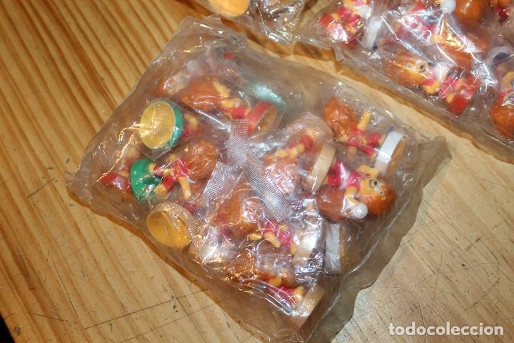 Figuras de Goma y PVC: LOTE DE 3 BOLSAS LLENAS DE FIGURAS PROMOCIONALES - LEON, MASCOTA, DEPORTES, TENIS, FUTBOL - Foto 4 - 236068850