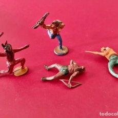 Figuras de Goma y PVC: LOTE DE 4 FIGURAS DE PLÁSTICO - INDIOS Y VAQUEROS. Lote 236140800