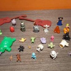 Figuras de Goma y PVC: LOTE DE 37 MUÑECOS VINTAGE VER FOTOS. Lote 236159760