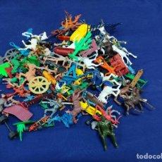 Figurines en Caoutchouc et PVC: LOTAZO VARIADO DE SOLDADOS DE PVC. Lote 236168545