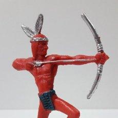 Figuras de Goma y PVC: GUERRERO INDIO CON ARCO . ORIGINAL AÑOS 60 . ALTURA 10 CM. Lote 236178505