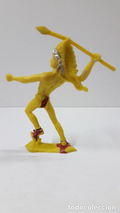 Figuras de Goma y PVC: GUERRERO INDIO CON LANZA . ORIGINAL AÑOS 60 . ALTURA 11 CM - Foto 2 - 236179910