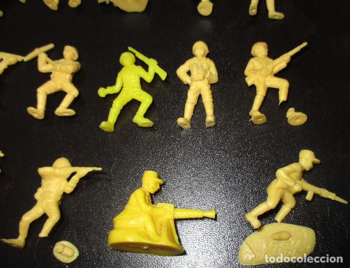 Figuras de Goma y PVC: Lote 20 figuritas DUNKIN soldados japoneses, colección completa - Foto 5 - 236410990