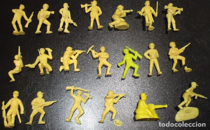 Figuras de Goma y PVC: Lote 20 figuritas DUNKIN soldados japoneses, colección completa - Foto 6 - 236410990