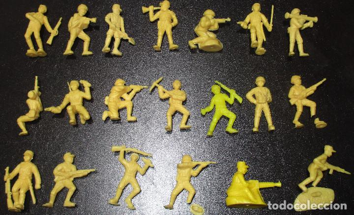 LOTE 20 FIGURITAS DUNKIN SOLDADOS JAPONESES, COLECCIÓN COMPLETA (Juguetes - Figuras de Goma y Pvc - Dunkin)