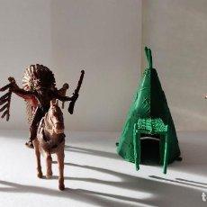 Figuras de Goma y PVC: INDIOS CON CABAÑA. Lote 237026690