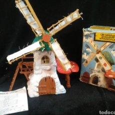 Figuras de Goma y PVC: MOLINO DE LOS PITUFOS CON CAJA. SMURF WINDMILL 1981 . PITUFO SCHLUMPF. Lote 237090285