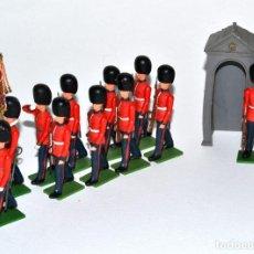 Figuras de Goma y PVC: LOTE DE GUARDIA REAL INGLESA DE BRITAINS LTD, PLÁSTICO, CIRCA 1960, MADE IN ENGLAND.. Lote 237111770