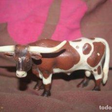 Figuras de Goma y PVC: MUÑECO TORO SCHLEICH. Lote 237190165