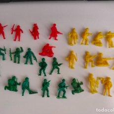 Figuras de Goma y PVC: 28 FIGURAS DE SOLDADOS JAPONESES, AMERICANOS Y RUSOS DE DUNKIN . AÑOS 60/70. BUEN ESTADO.. Lote 237355215