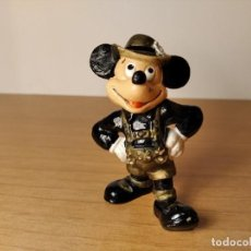 Figuras de Goma y PVC: MICKEY MOUSE TIROLÉS. DISNEY-BULLYLAND. MADE IN GERMANY. TAMAÑO: 75 MM.. Lote 237376585