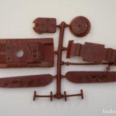 Figuras de Goma y PVC: MONTAPLEX - TANQUE, CARRO DE COMBATE SHERMAN - COLADA AÑO 1967 - COLOR FOTO. Lote 237464160
