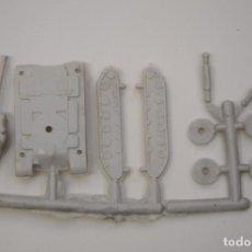 Figuras de Goma y PVC: MONTAPLEX - TANQUE PESADO, CARRO COMBATE M-43 - SOBRES SORPRESA KIOSKO AÑOS 70 - COLOR FOTO. Lote 237465345