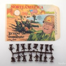 Figuras de Goma y PVC: MONTAPLEX SOBRE VACÍO Nº111 NORTEAMERICA GRUPO DE COMBATE + COLADA DE AMERICANOS COLOR FOTO. Lote 237669095