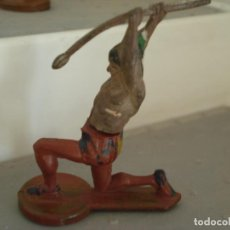 Figuras de Borracha e PVC: FIGURA DE UN INDIO DE GAMA. Lote 238076315
