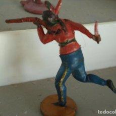 Figuras de Borracha e PVC: FIGURA DE UN INDIO DE GAMA. Lote 238076360