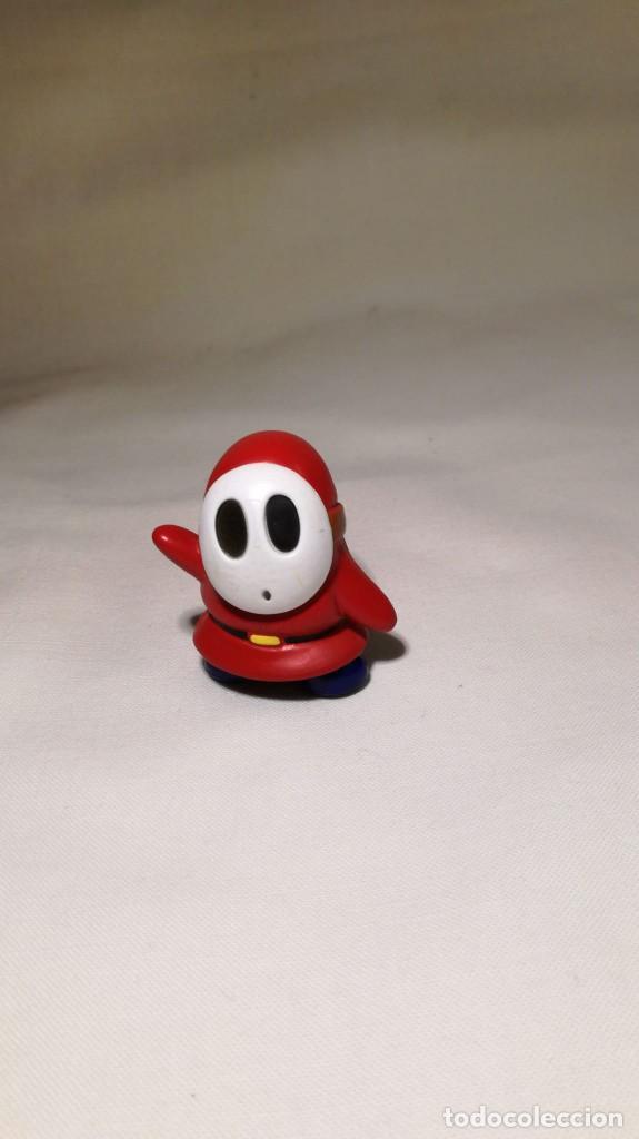 SHY GUY RED - FIGURA - PVC - SUPER MARIO BROS - NINTENDO 2007 (Juguetes - Figuras de Goma y Pvc - Otras)