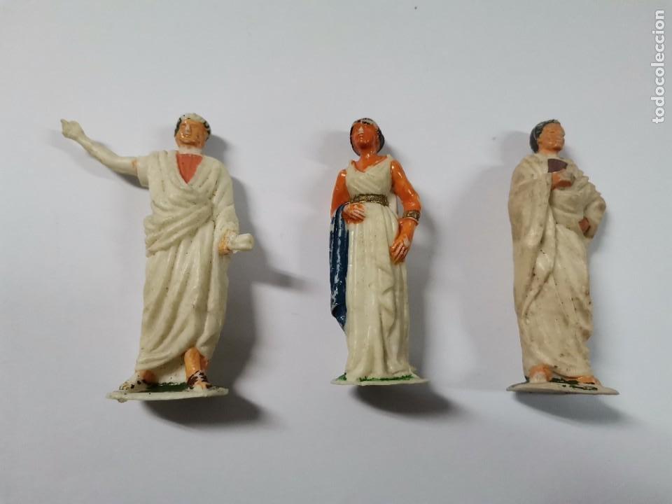 LOTE DE 3 FIGURAS ROMANOS. AÑOS 50. 43. (Juguetes - Figuras de Goma y Pvc - Reamsa y Gomarsa)