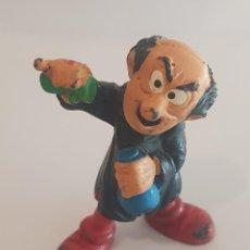 Figuras de Goma y PVC: GARGAMEL CON POCIMAS. SCHLEICH PEYO SMURF. AÑO 1982. MADE IN W.GERMANY. Lote 238631325