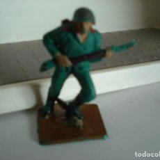 Figuras de Goma y PVC: FIGURA EN PLASTICO PECH HERMANOS. Lote 238785645