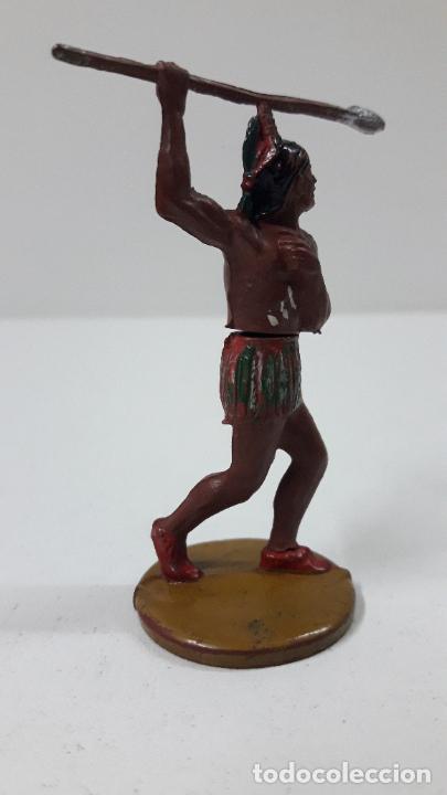 Figuras de Goma y PVC: GUERRERO INDIO CON LANZA . REALIZADO POR GAMA . AÑOS 50 - Foto 3 - 239397460