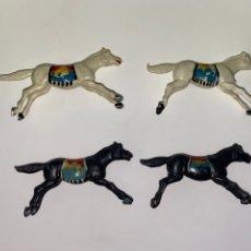 Figuras de Goma y PVC: LOTE DE 4 CABALLOS INDIOS, PLASTICO AÑOS 60. 63.. Lote 239434630