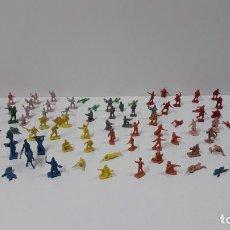 Figuras de Goma y PVC: LOTE DE SOLDADITOS MONTAPLEX - DIFERENTES EJERCITOS . ORIGINAL AÑOS 70 / 80 . MAS DE 100 FIGURAS. Lote 239580125