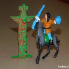 Figuras de Goma y PVC: COMANSI III TEMPORADA * TÓTEM CON INDIO FEDERAL A CABALLO CON RIFLE Y SOMBRERO*. Lote 240338040