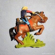 Figuras de Goma y PVC: FIGURA A CABALLO DE BRITAINS 7º DE CABALLERIA EN EXCELENTE ESTADO. Lote 240507245