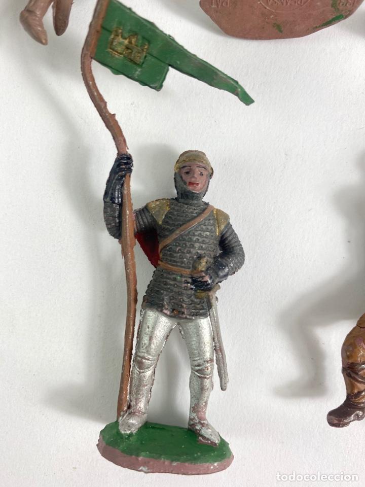 Figuras de Goma y PVC: LOTE DE 5 FIGURAS MEDIEVALES DE GOMA. AÑOS 50. 79. - Foto 4 - 240648755