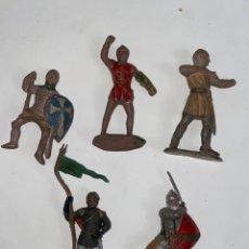 Figuras de Goma y PVC: LOTE DE 5 FIGURAS MEDIEVALES DE GOMA. AÑOS 50. 79.. Lote 240648755