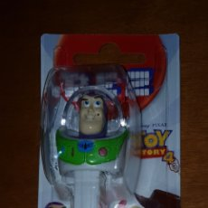 Dispensador Pez: FIGURA PVC DISPENSADOR PEZ TOY STORY BUZZ LIGHT YEAR DISNEY NUEVA BLISTER PRECINTADO. Lote 240651500
