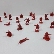 Figuras de Goma y PVC: LOTE DE SOLDADITOS MONTAPLEX . RUSOS . AÑOS 70 / 80. Lote 241177935