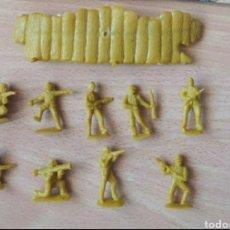 Figuras de Goma y PVC: MONTAPLEX SOLDADOS JAPONESES Y BARRICADA. Lote 241197800
