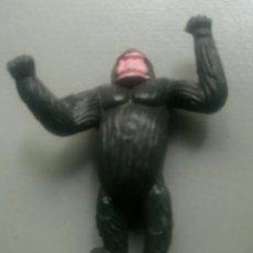 Figuras de Goma y PVC: FIGURA ORANGUTÁN MONO JUGUETE. Lote 241312570