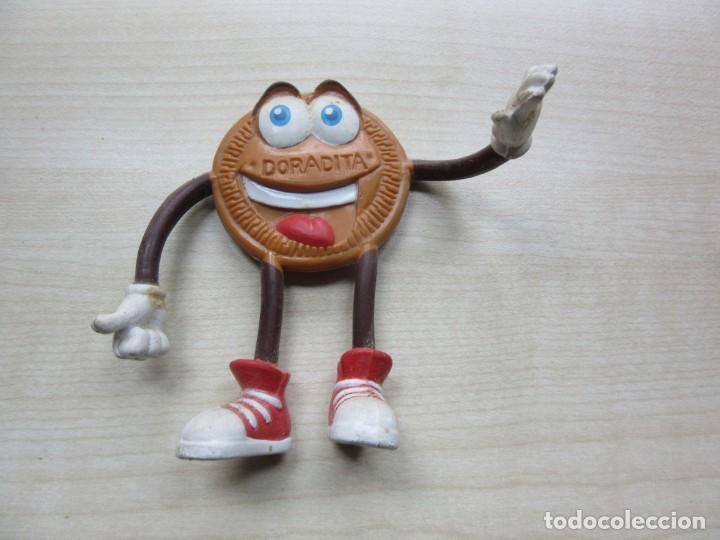 Figuras de Goma y PVC: Figura de galleta doradita de goma con brazos y piernas de alambre movibles años 90 - Foto 3 - 241629345