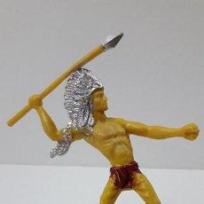 Figuras de Goma y PVC: GUERRERO INDIO CON LANZA . ORIGINAL AÑOS 60 . ALTURA 11 CM. Lote 241840210