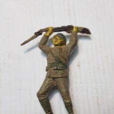 Figuras de Goma y PVC: FIGURA SOLDADO JAPONES DEL RÍO KWAI EN GOMA DE JECSAN. Lote 241950330