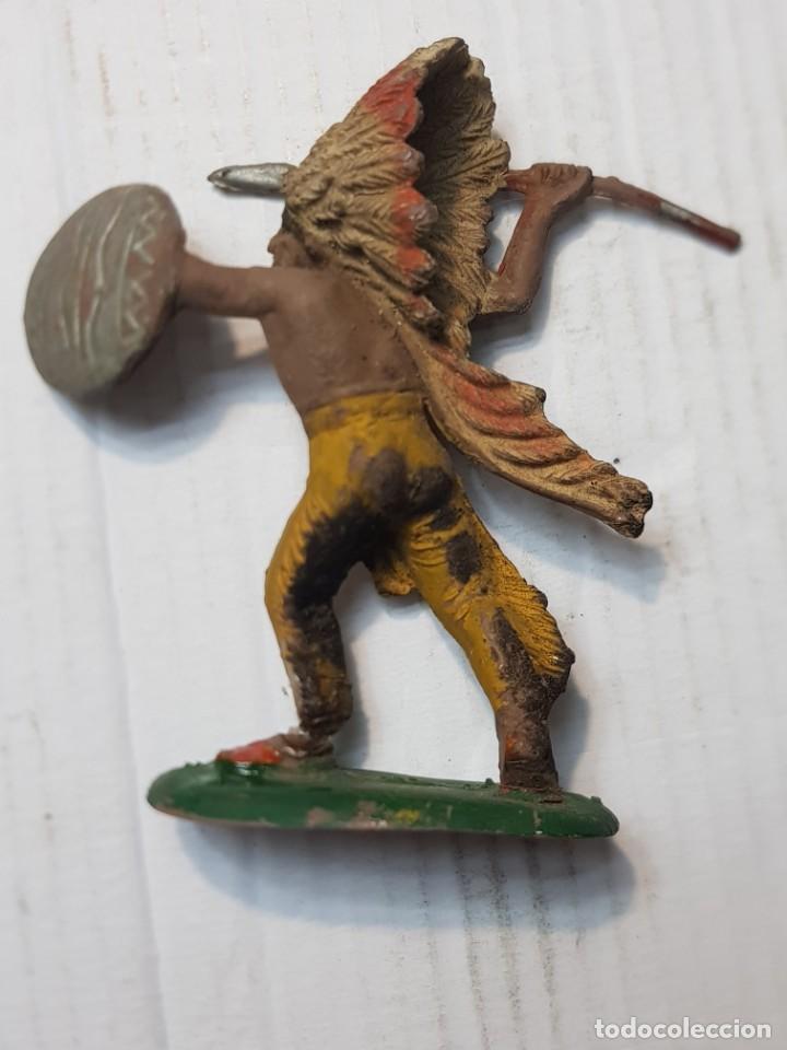 Figuras de Goma y PVC: Figura en Goma Jefe Indio con Lanza y Escudo Pech muy difícil - Foto 2 - 241955240