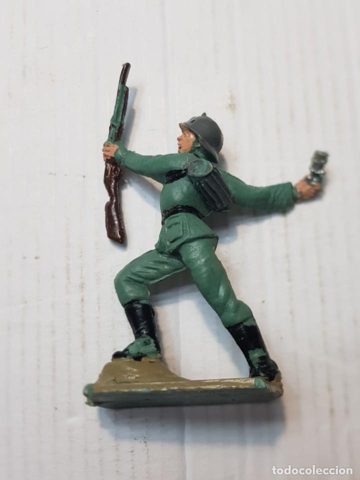 Figuras de Goma y PVC: Figura en PVC Soldado Alemán lanzando Granada Pech escasa - Foto 2 - 241957245