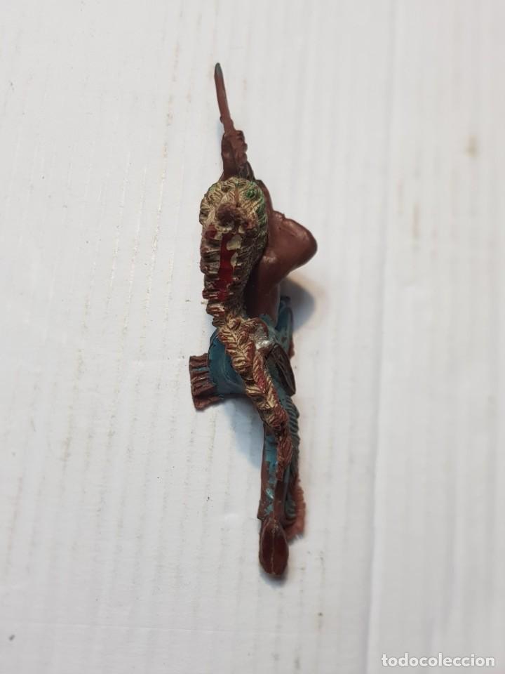 Figuras de Goma y PVC: Figura en PVC Jefe Indio tumbado con rifle - Foto 3 - 241967030