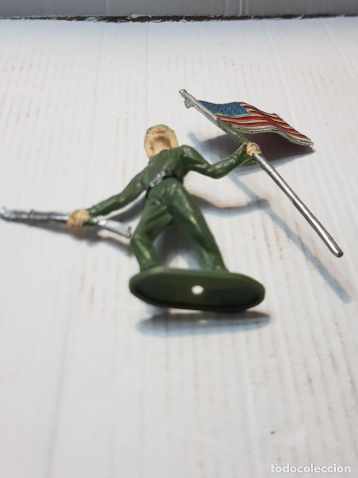 Figuras de Goma y PVC: Figura en PVC Soldado Americano con Bandera Comansi - Foto 4 - 241970360