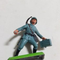 Figuras de Goma y PVC: FIGURA SOLDADO BRITAINS LTD ESTADO MUY BUENO COMO SE VE EN LA FOTO MAS ARTICULOS. Lote 242035775
