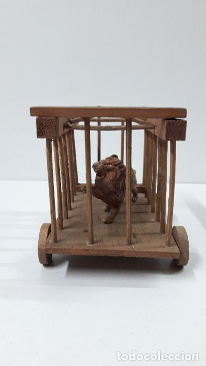 Figuras de Goma y PVC: CARRO - JAULA PARA FIERAS . REALIZADO POR TEIXIDO . SERIE MORCILLON Y BABALI . AÑOS 50 EN MADERA - Foto 7 - 242131945
